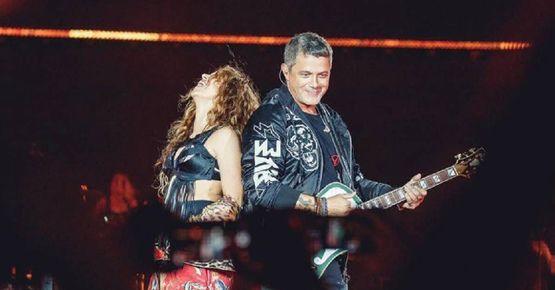 Shakira Y Alejandro Sanz Vuelven A Cantar Juntos En Un Escenario