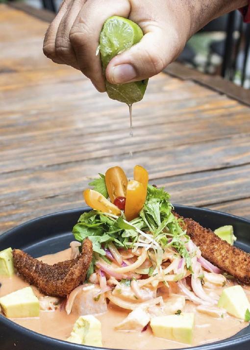 ¿Qué tal un ceviche para compartir y disfrutar una deliciosa comida peruana?